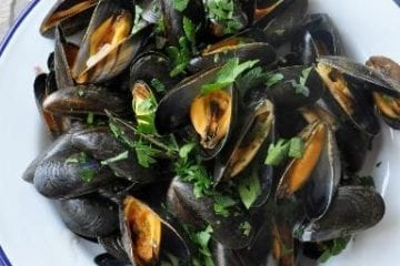 how to make Moules marinieres recipe